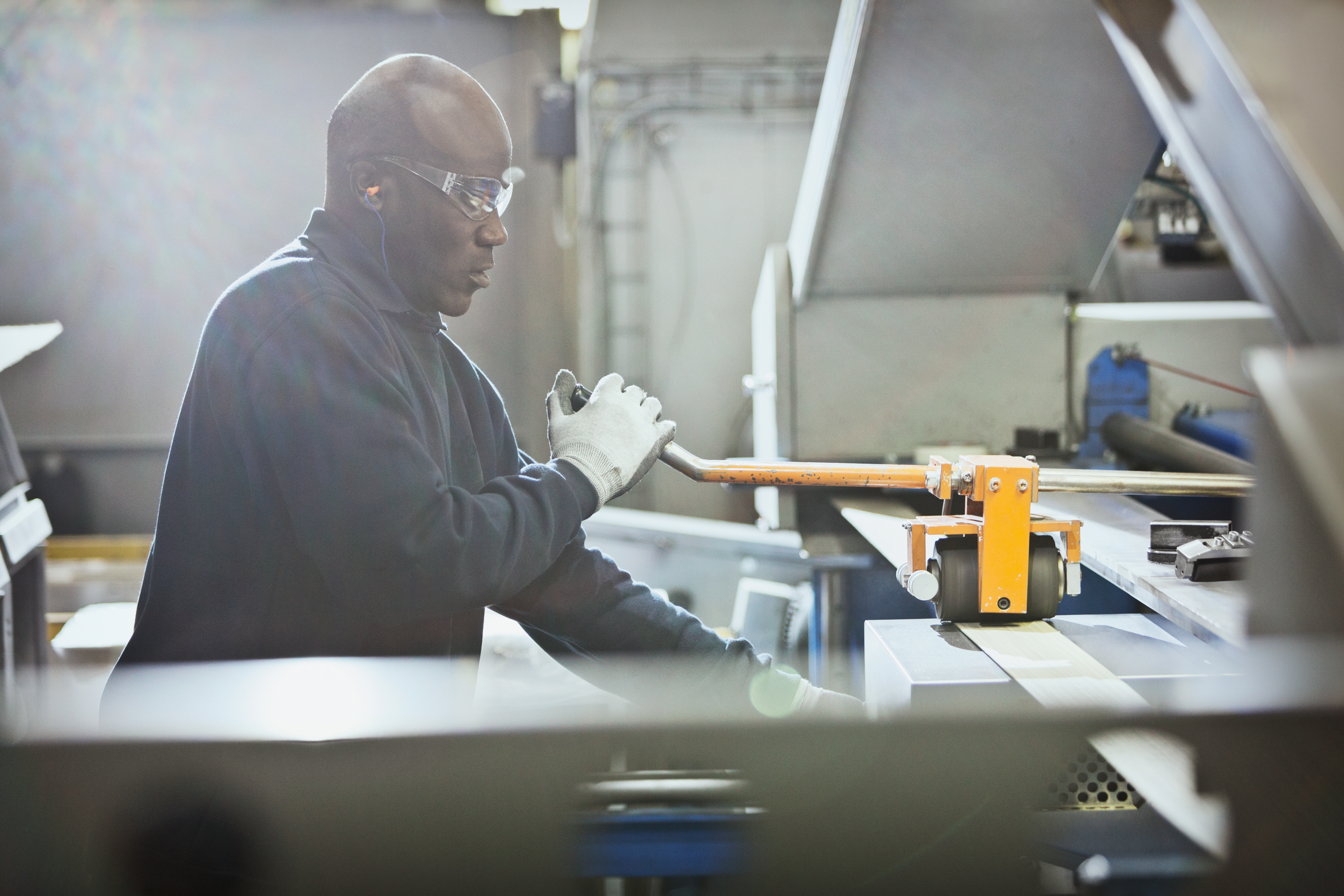 man safety glasses manufacturing.jpg